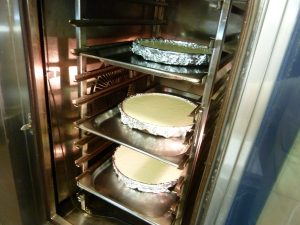 Cheesecake in the oven
