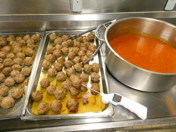 Meat balls and sauce